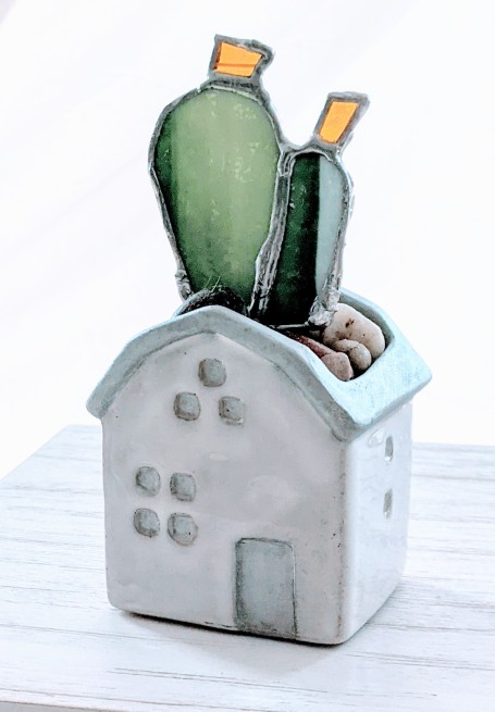 // tiny house planter in silver